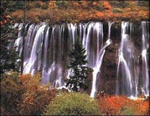九寨沟诺日朗瀑布